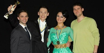 igor-kobiuk-and-liliia-gladiuk-with-friends